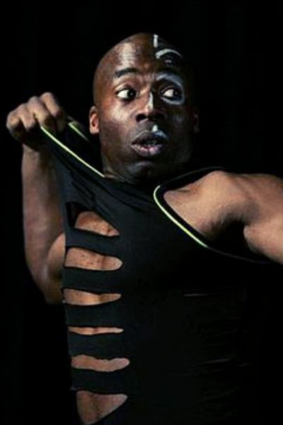 Charles Burton -kouč, lektor, tanečník